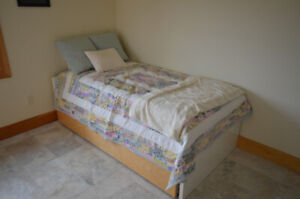 Childrens Twin Bed & Drawers
