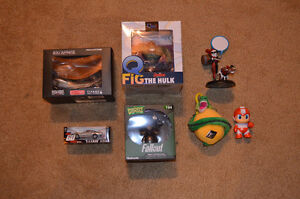 Various Lootcrate collectables