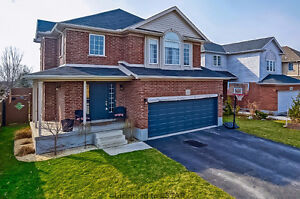 Lovely 2 Storey in Byron with Pool!