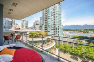 COAL HARBOUR LIVING!  Fantastic views, superb amenities!