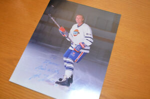 GUY LAFLEUR: Signed 8x10 and 3 Tribute Hockey Cards by Score-91