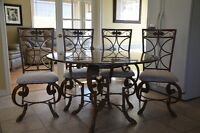 Solid Dining Table + 4 chairs