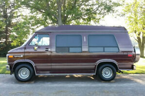 1990 GMC Starcraft Conversion Van