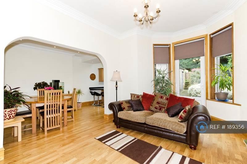 3 bedroom house in Clifton Road, Aberdeen, AB24 (3 bed)