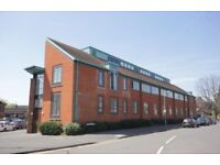 1 Bedroom Flat - Central Beaconsfield - Moments from the Station