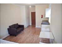 Studio to let 10 mins From Turnpike Lane