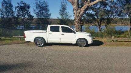 2010 Toyota Hilux Ute MINT CONDITION West Perth Perth City Preview