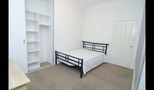 Double Room Queen Bed 15 minutes walk to Curtin Uni--$120/pp