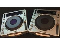 Pair of pioneers cdj 800mk2 cd decks