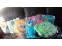 4 x soft toys 2 x canvas. In packaging