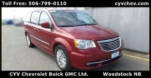 2015 Chrysler Town & Country Touring with Leather & Stow n Go
