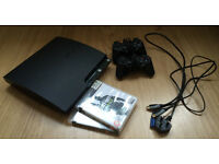 PS3 + 2 controllers + HDMI + 2 games