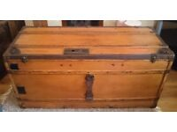 Vintage-Louis-Pracht-Travel-Trunk-Flat-Top-Pine-Storage-Chest-or-Coffee-Table
