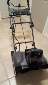 Brand New Yardworks 13A Electric Snowthrower, 20-in: $145