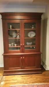 Display Cabinet / Armoire