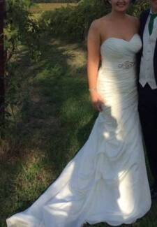 Stunning Ros La Kelin ivory gown sz 14 Lane Cove Lane Cove Area Preview