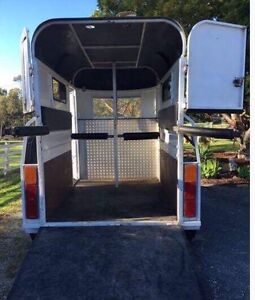 Horse Float Hire Pimpama Gold Coast North Preview