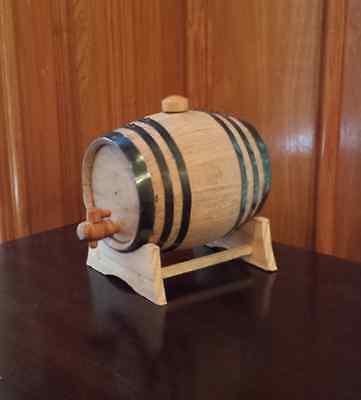 2 Liter Oak barrel with Black hoops for whiskey or spirits