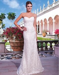 Ivory Lace Sweetheart Fit & Flare Wedding Dress