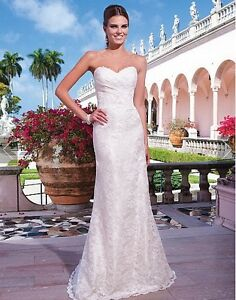 Ivory Lace Sweetheart Fit & Flare Wedding Dress *PRICE REDUCED*