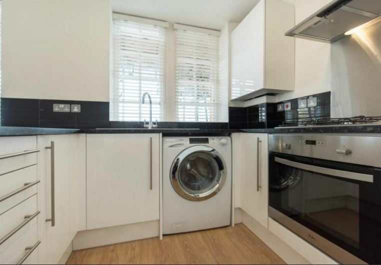 Beautiful newly refurbished 1 bed flat - Oval - £375 p/w