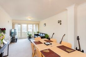 2 bedroom flat in Porchester Square, Bayswater