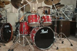 Drum batterie pearl tout inclut avec 3 cymbales pedales stand