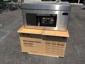 Four micro ondes a hotte intgree - Over the range microwave