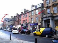 TO LET. AYR CENTRE. SMART 2B/R, LOUNGE, BATH RM,SHOWER RM, UTILITY RM, 2ND. FLOOR. NO PETS, NO DSS.