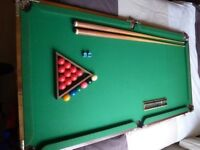 Snooker table & 3 cues Excellent quality!