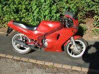 1990 Yamaha TZR125. Runs well and MoT'ed. Paintwork shabby.