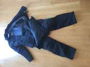 Ladies Motorcycle ensemble-Jacket/Pants,Helmet,Gloves,Backpack