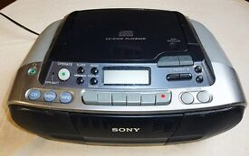 SONY CD-R/RW PORTABLE PLAYBACK CD, RADIO AND CASSETTE PLAYER