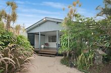 Large room for rent beachside Suffolk Park Byron Bay Byron Area Preview
