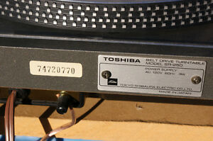 Toshiba SR-250 Turntable in excellent condition Kingston Kingston Area image 6