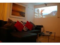 Ensuite room (£780 pcm) in stylish, contemporary 3-bed, 2-bath apartment with lounge and home cinema