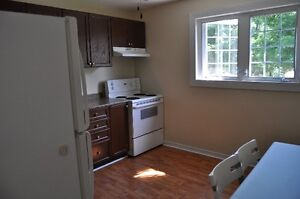 4 Bed All Inclusive, Steps to SLC and Close to Queens W. Campus