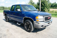 2004 GMC Sierra 1500   EXT CAB 4X4 Pickup Truck like new