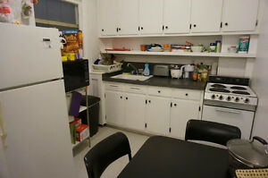 [Summer SUBLEASE July & August near Mcgill campus]