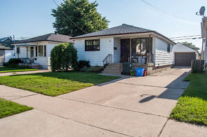 2 BEDROOM BUNGALOW WITH 1 AND 1/2 CAR GARAGE - PRIVATE FINANCING Windsor Region Ontario image 1