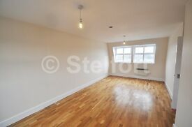 SPACIOUS 2 DOUBLE BEDROOM FLAT IS SET IN ISLINGTON WITHIN EASY REACH OF LOCAL TRANSPORT ROUTES & AME