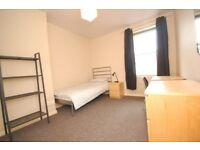 Single room in student flat close to city centre/QMU available from 1st Sept