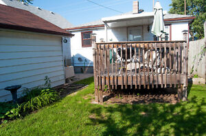 2 BEDROOM BUNGALOW WITH 1 AND 1/2 CAR GARAGE - PRIVATE FINANCING Windsor Region Ontario image 10