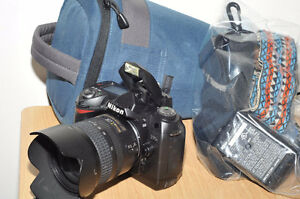 Mint Condition Nikon D70S with 18-70mm f3.5-4.5 Lens