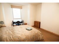 Large double room in quiet house