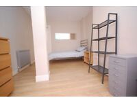 Single rooms in shared flat v close to city centre available for the first two weeks of the Festival