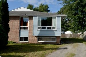 OPEN HOUSE SATURDAY (12:30PM-1:30PM) 29 Massey Drive