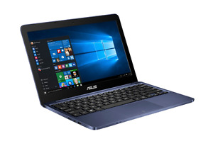 11.6 in ASUS laptop with French keyboard