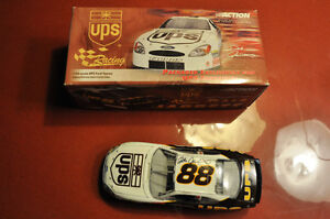 1:24 Scale  UPS Ford Taurus Action Collectibles