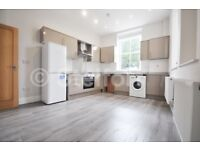 A stunning & modern 2 double bedroom property is set within easy access to Kentish Town tube and loc